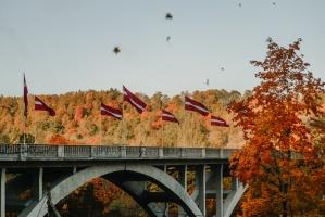 Sigulda var dižoties daudzveidīgām rudens ainavām pilsētā un tās apkārtnē 9