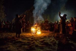 Vienkoču parkā norisinājās Uguns Nakts, kura mērķis ir vienu īso rudens dienu padarīt ilgāk gaišu, dot iespēju uzlādēt sevi ar sveču gaismu un siltumu 27