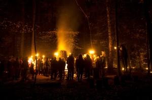 Vienkoču parkā norisinājās Uguns Nakts, kura mērķis ir vienu īso rudens dienu padarīt ilgāk gaišu, dot iespēju uzlādēt sevi ar sveču gaismu un siltumu 37