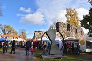 Simjūda tirgus Valmierā pulcē tirgotājus ar viduslaiku Livonijas labumiem 9