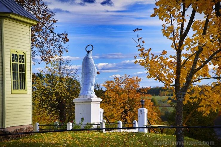 Latvijas vecākajā pilsētā Ludzā var izbaudīt krāšņu rudeni
