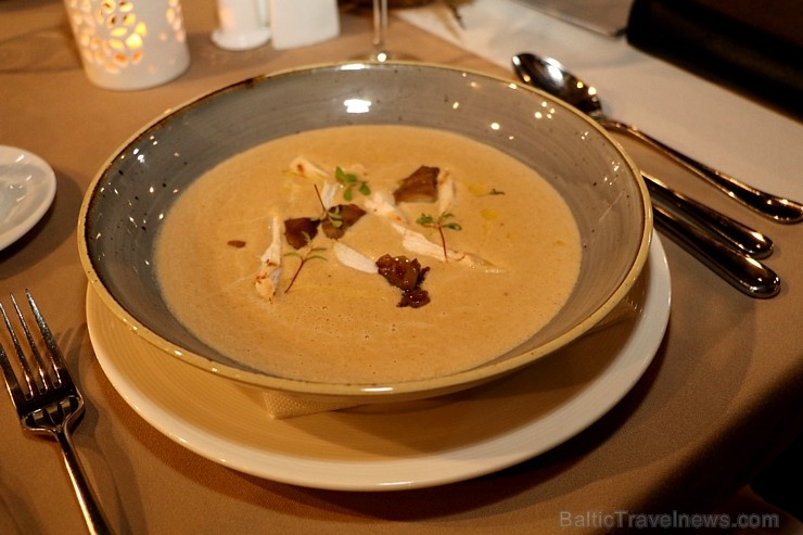 Travelnews.lv ievērtē Jūrmalas viesnīcas restorāna «Kurshi Terase» vakariņu piedāvājumu
