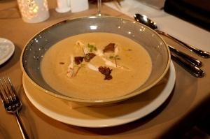 Travelnews.lv ievērtē Jūrmalas viesnīcas restorāna «Kurshi Terase» vakariņu piedāvājumu 15