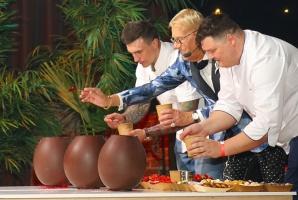 Latvijas populārākais šefpavārs Mārtiņš Rītiņš lielā draugu un viesu pulkā svin 70 56