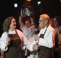 Latvijas populārākais šefpavārs Mārtiņš Rītiņš lielā draugu un viesu pulkā svin 70 69