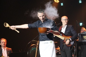 Travelnews.lv piedāvā dažus fotomirkļus no Latvijas populārākā šefpavāra Mārtiņa Rītiņa jubilejas 14