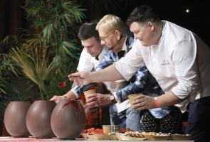 Travelnews.lv piedāvā dažus fotomirkļus no Latvijas populārākā šefpavāra Mārtiņa Rītiņa jubilejas 63