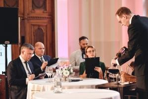 Rīgā norisinājās Baltijas labāko vīnziņu konkurss Vana Tallinn Grand Prix 2019, kurā par labākā vīnziņa un labākā jaunā vīnziņa titulu cīnījās pretend 6