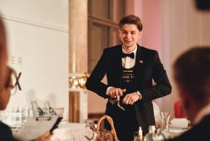 Rīgā norisinājās Baltijas labāko vīnziņu konkurss Vana Tallinn Grand Prix 2019, kurā par labākā vīnziņa un labākā jaunā vīnziņa titulu cīnījās pretend 16