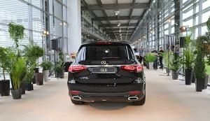 «Domenikss» medijiem prezentē jaunās paaudzes «Mercedes Benz GLS» apvidus automobili 6