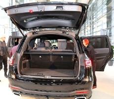«Domenikss» medijiem prezentē jaunās paaudzes «Mercedes Benz GLS» apvidus automobili 10