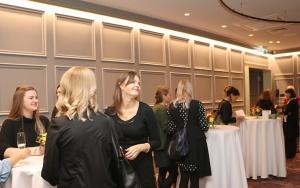 Viesnīcā «Grand Poet by Semarah Hotels» jaunā māksliniece Kristīne Rublovska atklāj personālizstādi 35