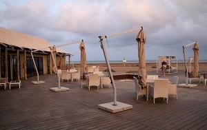 Travelnews.lv ar nakšņojumu iepazīst burvīgu vietu uz salas «Kingfisher Lodge». Atbalsta: VisitSharjah.com un Novatours.lv 10