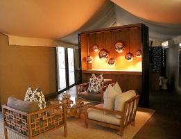 Travelnews.lv ar nakšņojumu iepazīst burvīgu vietu uz salas «Kingfisher Lodge». Atbalsta: VisitSharjah.com un Novatours.lv 22