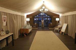 Travelnews.lv ar nakšņojumu iepazīst burvīgu vietu uz salas «Kingfisher Lodge». Atbalsta: VisitSharjah.com un Novatours.lv 24