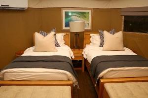 Travelnews.lv ar nakšņojumu iepazīst burvīgu vietu uz salas «Kingfisher Lodge». Atbalsta: VisitSharjah.com un Novatours.lv 28