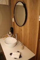 Travelnews.lv ar nakšņojumu iepazīst burvīgu vietu uz salas «Kingfisher Lodge». Atbalsta: VisitSharjah.com un Novatours.lv 38