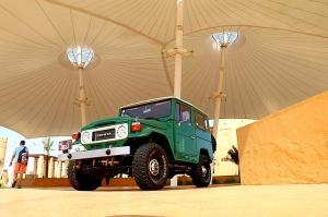 Tuksnesī apmeklējam un pusdienojam Šārdžas emirātu viesnīcā «Al Badayer Oasis», kas pieder emirāta īpašo naktsmītņu kolekcijai «Mysk  Sharjah Collecti 12