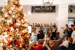 Viesnīca Grand Hotel Kempinski turpinot tradīciju pulcē rīdziniekus uz svinīgo Ziemassvētku egles iedegšanas ceremoniju 18