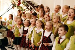 Viesnīca Grand Hotel Kempinski turpinot tradīciju pulcē rīdziniekus uz svinīgo Ziemassvētku egles iedegšanas ceremoniju 19