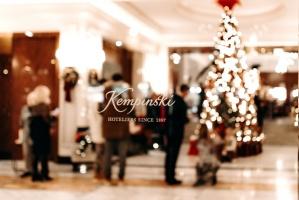 Viesnīca Grand Hotel Kempinski turpinot tradīciju pulcē rīdziniekus uz svinīgo Ziemassvētku egles iedegšanas ceremoniju 39