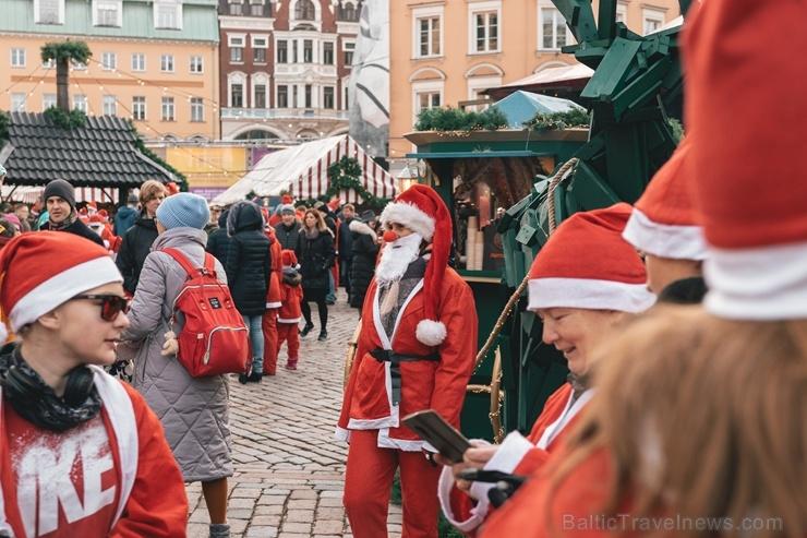 Ziemassvētku vecīšu labdarības skrējiens ir pozitīvām emocijām piepildīts pasākums, kurā ik gadu piedalās simtiem jautru dalībnieku ar mērķi palīdzēt  273094