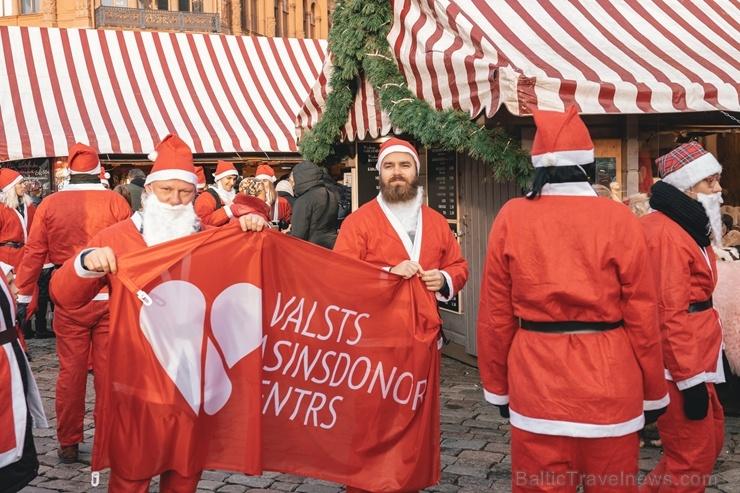 Ziemassvētku vecīšu labdarības skrējiens ir pozitīvām emocijām piepildīts pasākums, kurā ik gadu piedalās simtiem jautru dalībnieku ar mērķi palīdzēt  273096