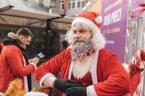 Ziemassvētku vecīšu labdarības skrējiens ir pozitīvām emocijām piepildīts pasākums, kurā ik gadu piedalās simtiem jautru dalībnieku ar mērķi palīdzēt  7