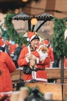 Ziemassvētku vecīšu labdarības skrējiens ir pozitīvām emocijām piepildīts pasākums, kurā ik gadu piedalās simtiem jautru dalībnieku ar mērķi palīdzēt  12