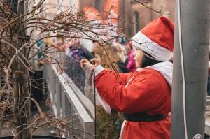 Ziemassvētku vecīšu labdarības skrējiens ir pozitīvām emocijām piepildīts pasākums, kurā ik gadu piedalās simtiem jautru dalībnieku ar mērķi palīdzēt  23