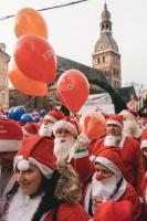 Ziemassvētku vecīšu labdarības skrējiens ir pozitīvām emocijām piepildīts pasākums, kurā ik gadu piedalās simtiem jautru dalībnieku ar mērķi palīdzēt  42