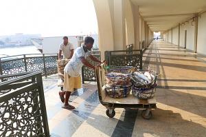 Travelnews.lv apmeklē Šārdžas zivju tirgus izsoli un ekskluzīvi iekļūst ostas zonā. Atbalsta: VisitSharjah.com un Novatours.lv 28