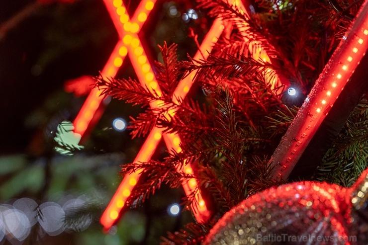 Daugavpils Ziemassvētku laikā saposusies īpaši grezni