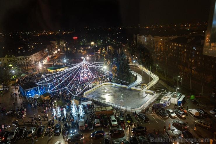 Daugavpils Ziemassvētku laikā saposusies īpaši grezni 273255