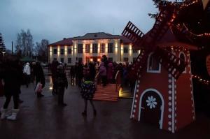 Egles iemirdzēšanās svētki ieskandinājuši Ziemassvētku gaidīšanas laiku Preiļu novadā 16