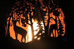 Lielvārdes muižas parku pasākumā «Sveču nakts» piepilda gaismas un uguns mistērija 6