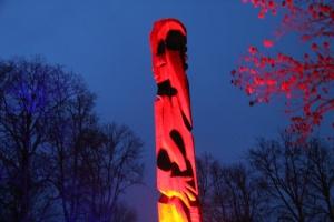 Lielvārdes muižas parku pasākumā «Sveču nakts» piepilda gaismas un uguns mistērija 7
