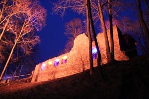 Lielvārdes muižas parku pasākumā «Sveču nakts» piepilda gaismas un uguns mistērija 8