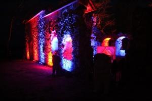 Lielvārdes muižas parku pasākumā «Sveču nakts» piepilda gaismas un uguns mistērija 10