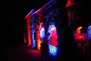 Lielvārdes muižas parku pasākumā «Sveču nakts» piepilda gaismas un uguns mistērija 11