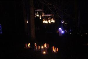 Lielvārdes muižas parku pasākumā «Sveču nakts» piepilda gaismas un uguns mistērija 13
