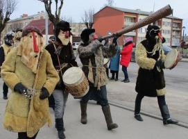 Līvānos norisinājās XXI Starptautiskais masku tradīciju festivāls, kurā piedalījās 24 masku grupasno Latvijas un citām valstīm 7