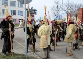 Līvānos norisinājās XXI Starptautiskais masku tradīciju festivāls, kurā piedalījās 24 masku grupasno Latvijas un citām valstīm 9