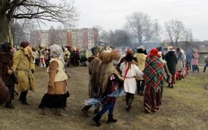 Līvānos norisinājās XXI Starptautiskais masku tradīciju festivāls, kurā piedalījās 24 masku grupasno Latvijas un citām valstīm 11