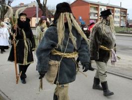 Līvānos norisinājās XXI Starptautiskais masku tradīciju festivāls, kurā piedalījās 24 masku grupasno Latvijas un citām valstīm 12
