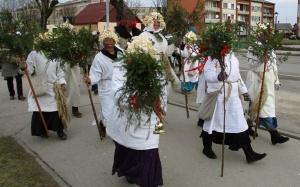 Līvānos norisinājās XXI Starptautiskais masku tradīciju festivāls, kurā piedalījās 24 masku grupasno Latvijas un citām valstīm 14
