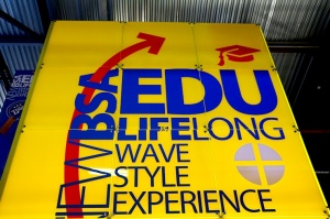 Ķīpsalā pulcējas skolnieki, vecāki, pasniedzēji, studenti un augstskolas uz «Skola 2020» 16