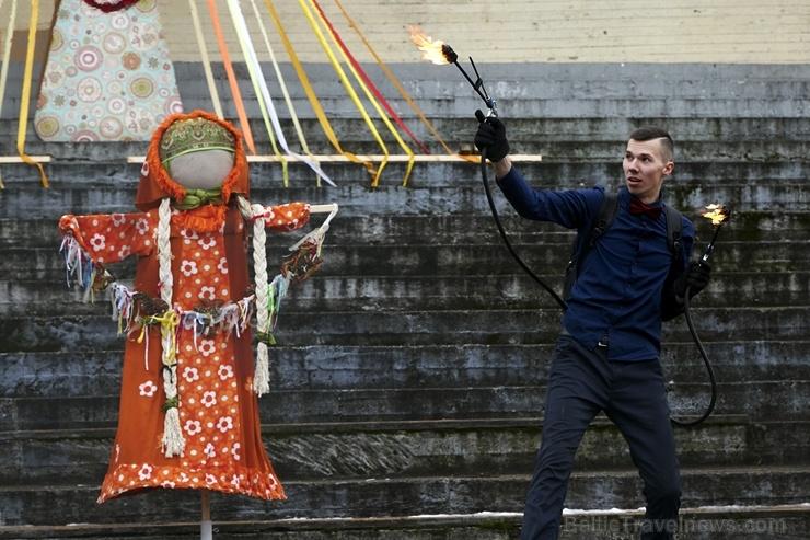 Rēzeknē svin tradicionālos slāvu tautību svētkus «Masļeņica»