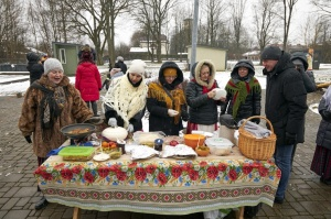 Rēzeknē svin tradicionālos slāvu tautību svētkus «Masļeņica» 25