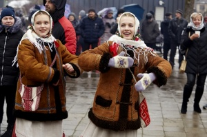 Rēzeknē svin tradicionālos slāvu tautību svētkus «Masļeņica» 37